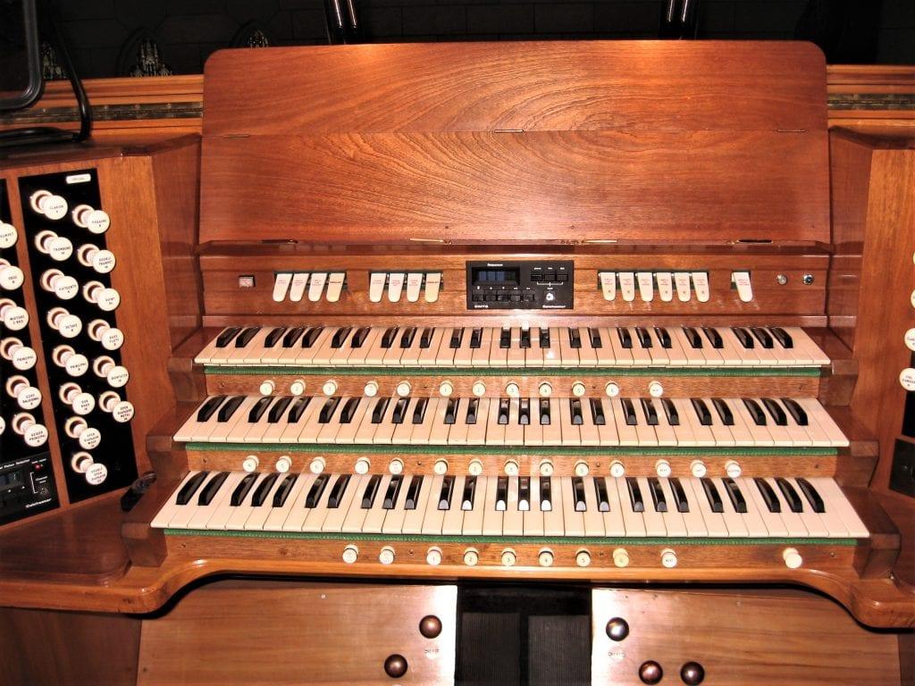 Christ Church Cath Nsn-console