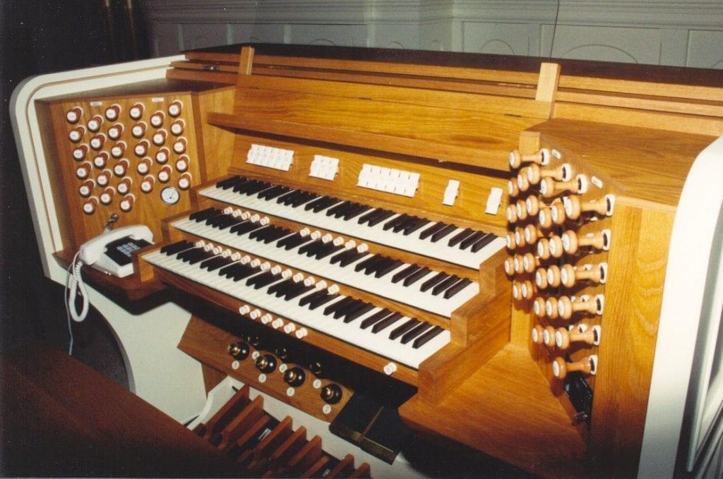 Sacred Heart Wlg-console