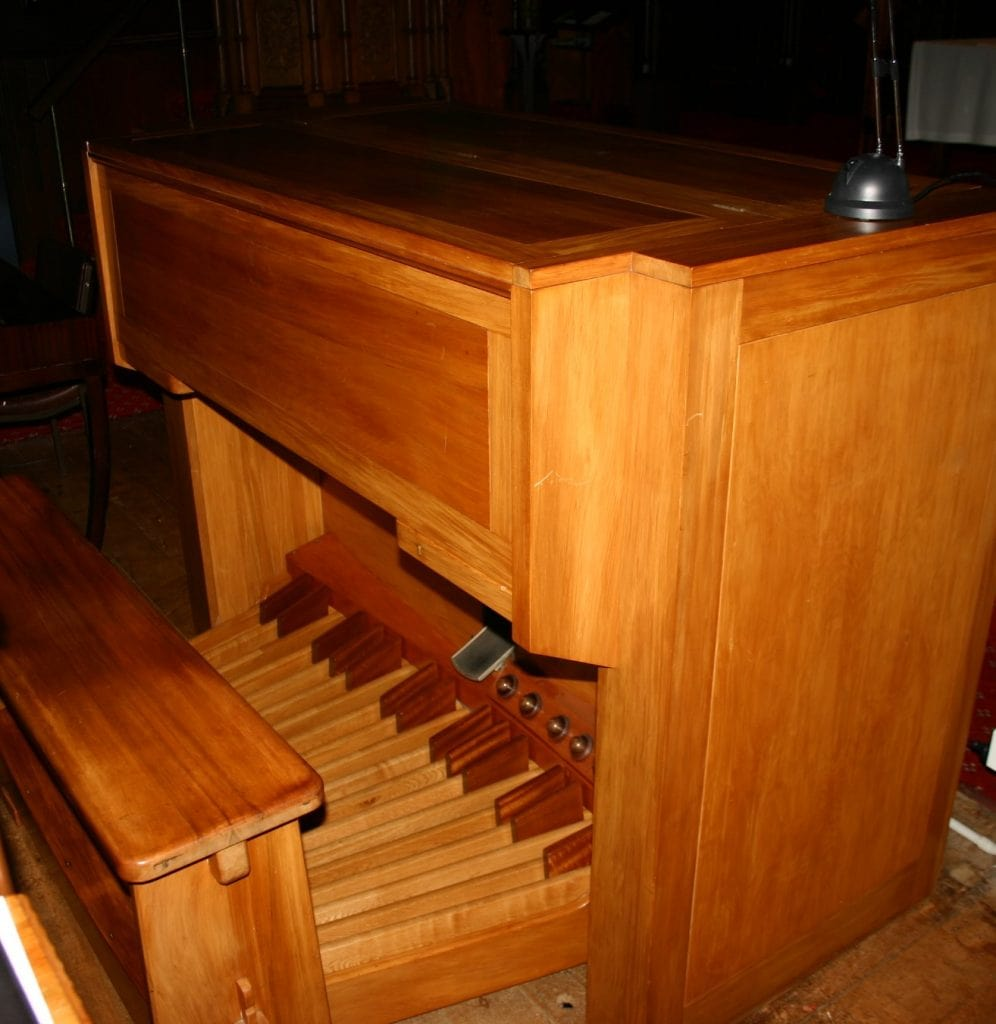 St Andrews Epsom-console