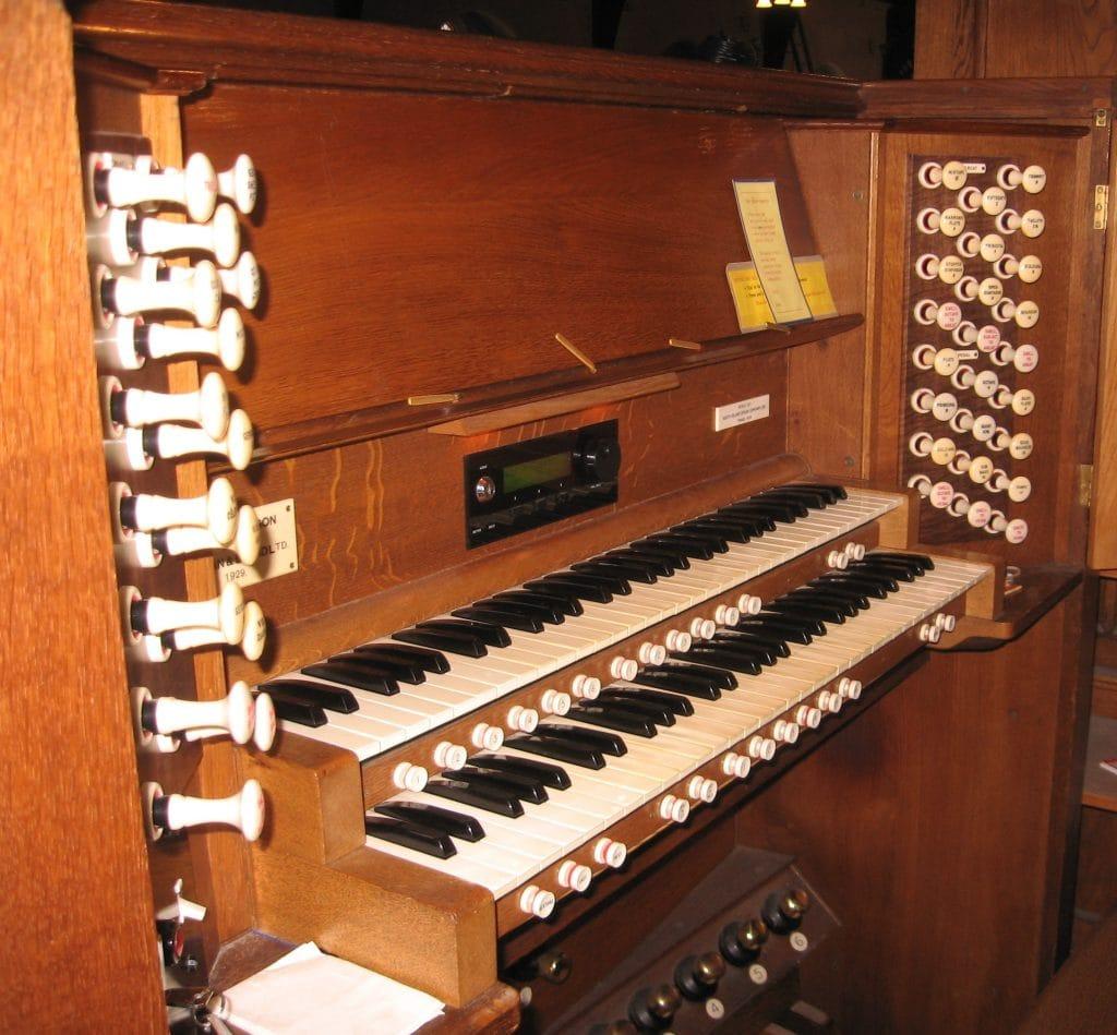 St Barnabas Fendalton-console