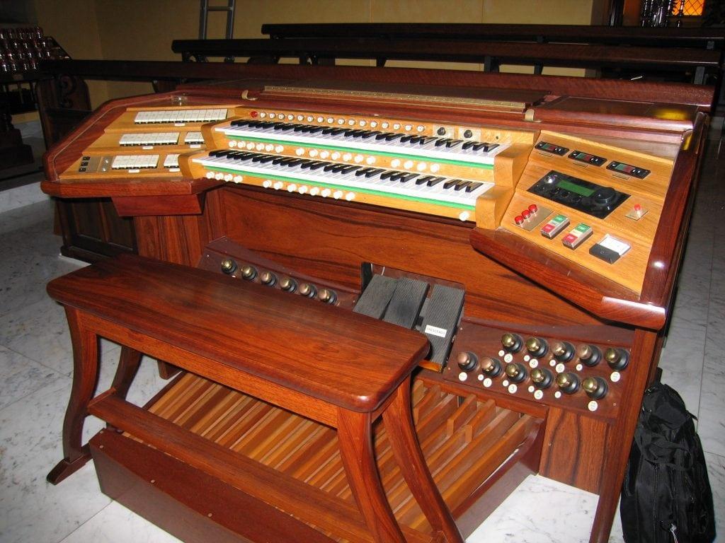 St Patrick Fremantle-Transeptconsole