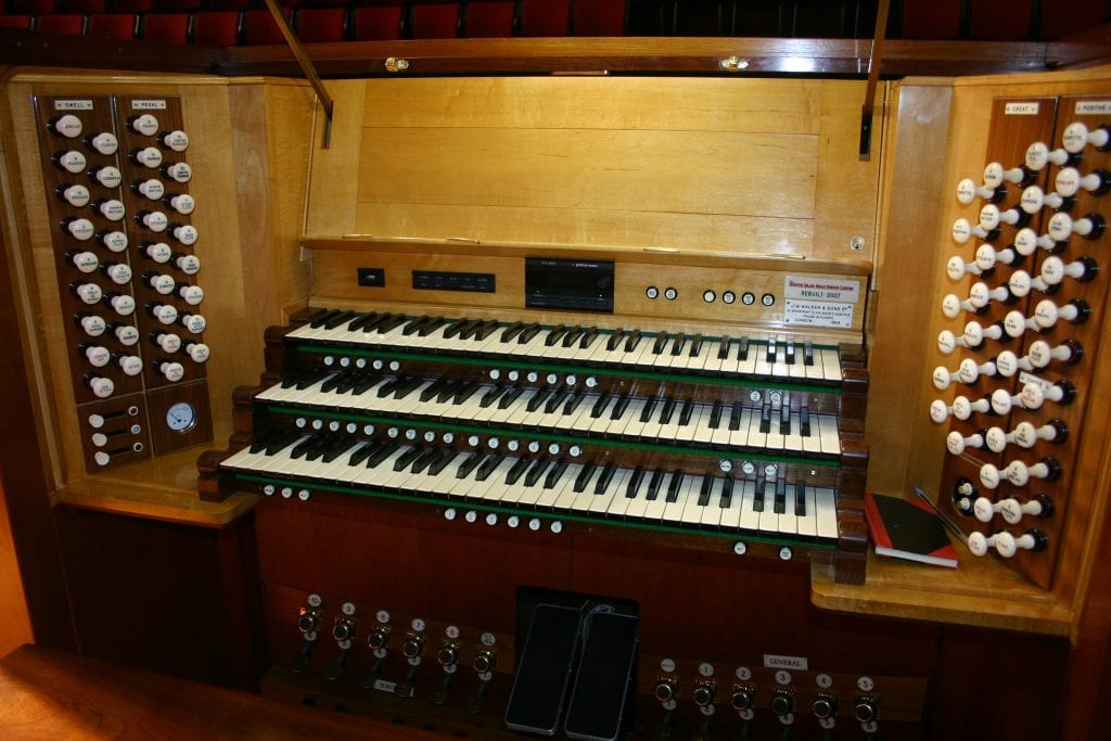 Winthrop Hall-open console