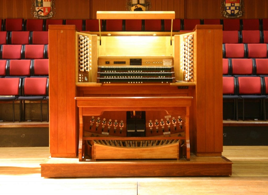 Winthrop Hall-open console2